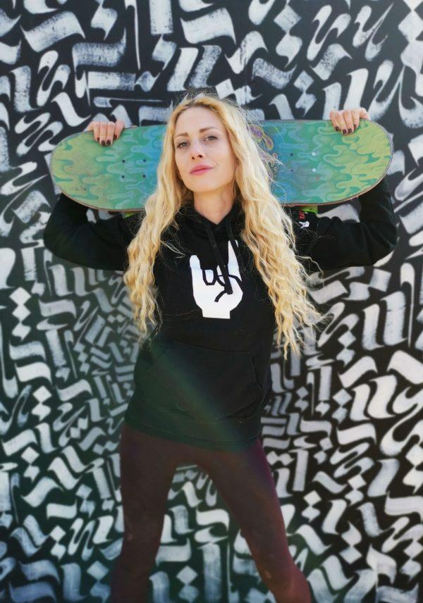 skatergirl-hoodie-tattoonetzwerk